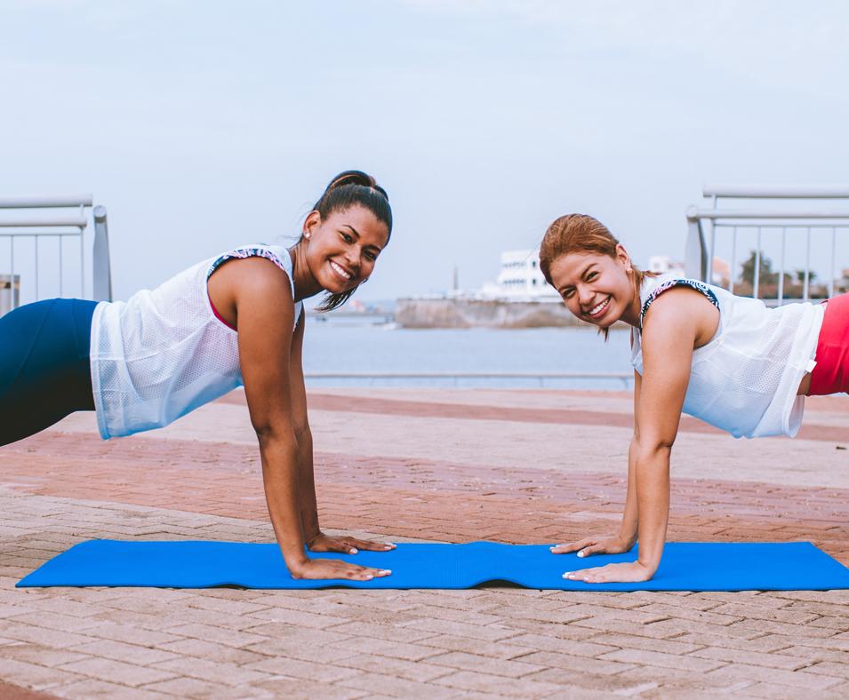 Las flexiones son ideales para quemar la grasa de los brazos.