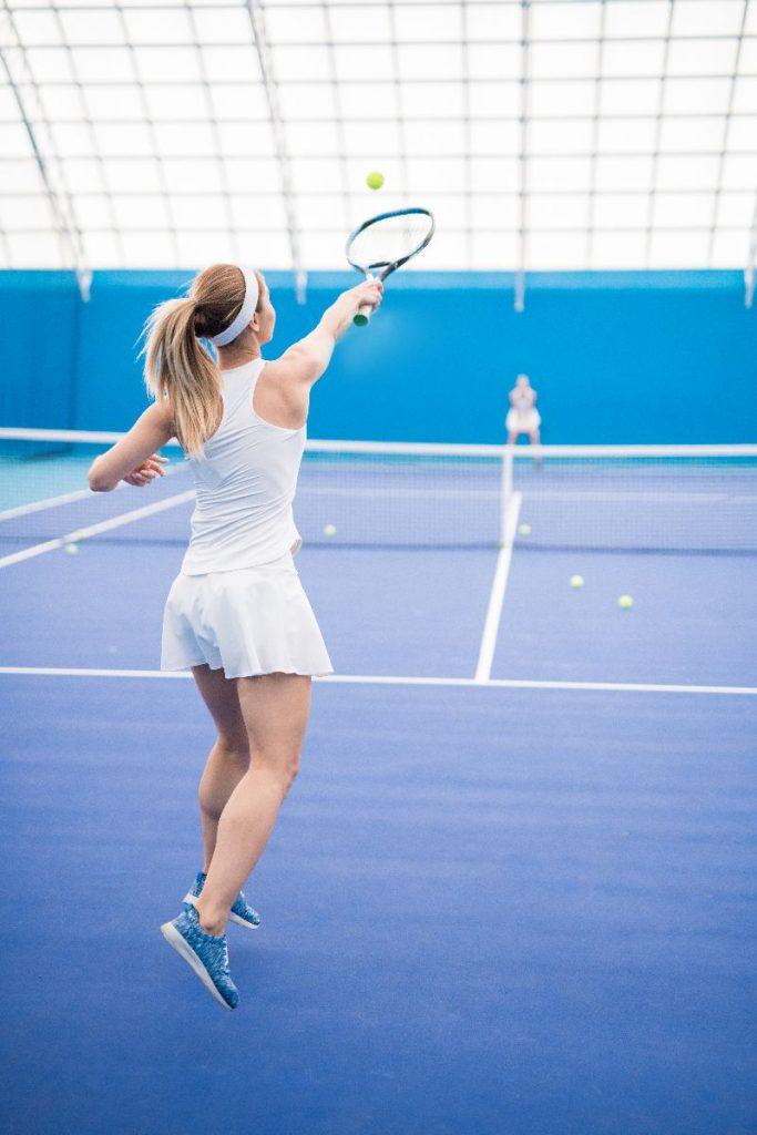 El tenis es un deporte que te mantendra activo