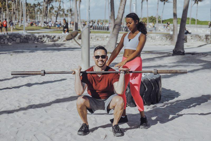 Ejercicios para Hombres sentadillas para ganar masa muscular