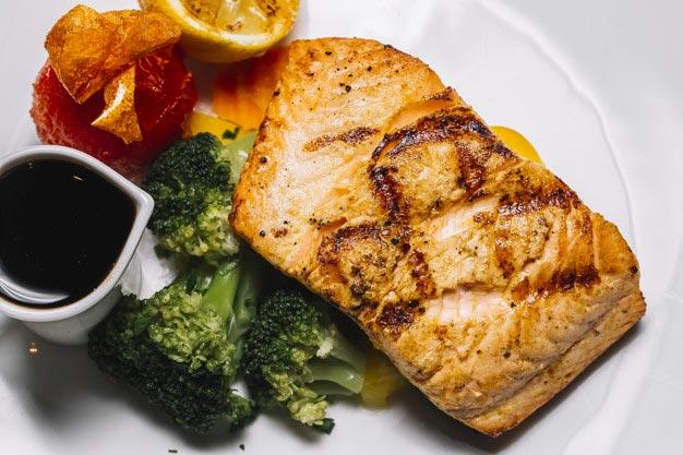 salmon con vegetales