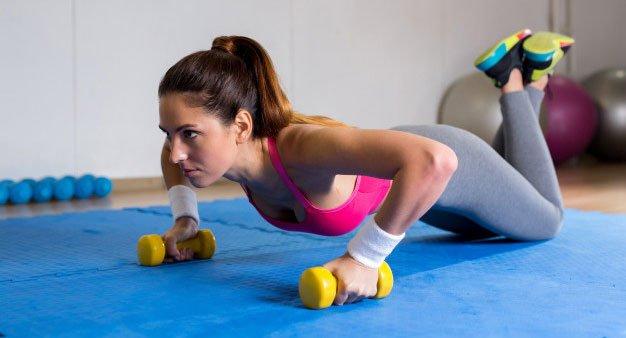 flexiones con pesas