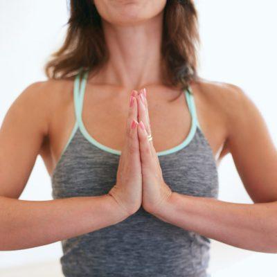 ¿Qué debes tener en cuenta para practicar Yoga?